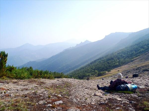 """Вид от стоянки """"Плато"""" в сторону долины реки Гремячей"""