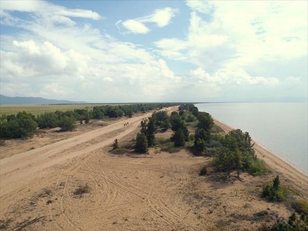 Перешеек полуострова Святой нос. Баргузинский залив.