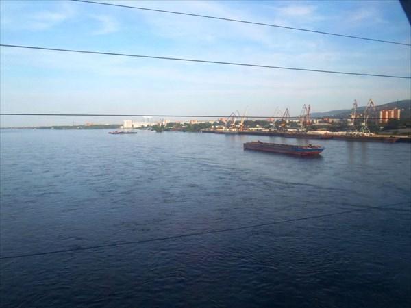 Река Енисей.Вид из окна вагона.