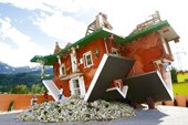 Upside-Down-House-Terfens2