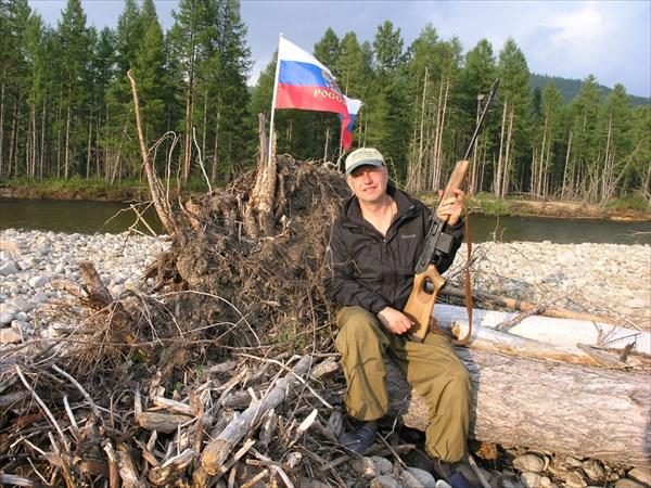 Андрей Черняев - патриот, и любит животный мир.