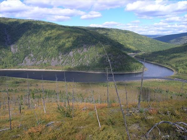Слияние реки Учур и реки Гекан.