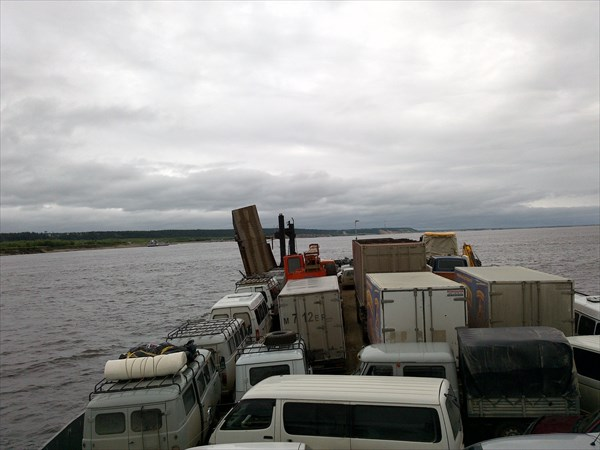 Переправляемся на правый берег Лены - Якутск.