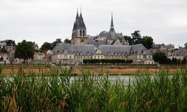 294.Blois