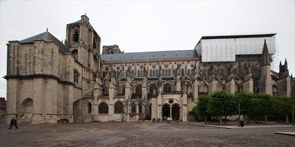 36.Бурж-собор