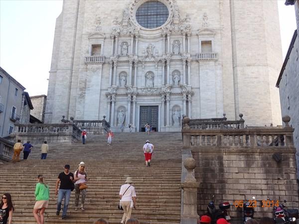 Лестница собора.