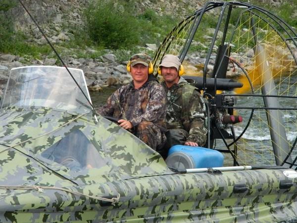Рыбаки Михаил и Дмитрий.