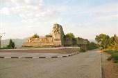 Памятник партизанам на шоссе над Алуштой