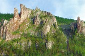 Фрагменты скал после притока Хатыстыр