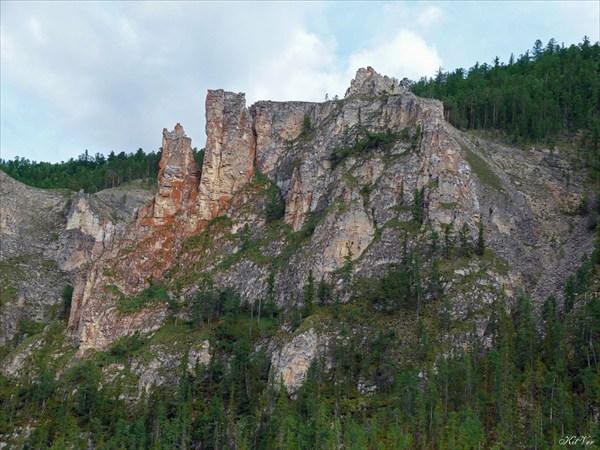 Фрагменты скал на притоке Хатыстыр