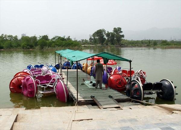 Станция проката лодок и водных велосипедов