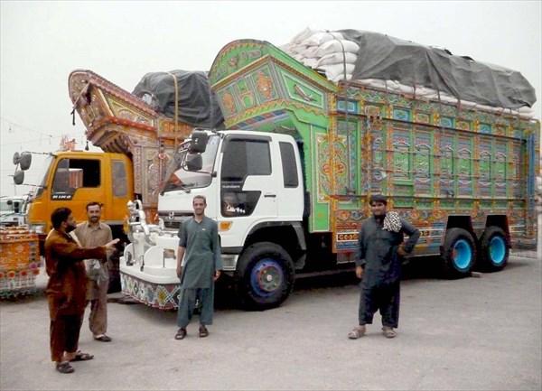 Пакистанские расписные грузовики