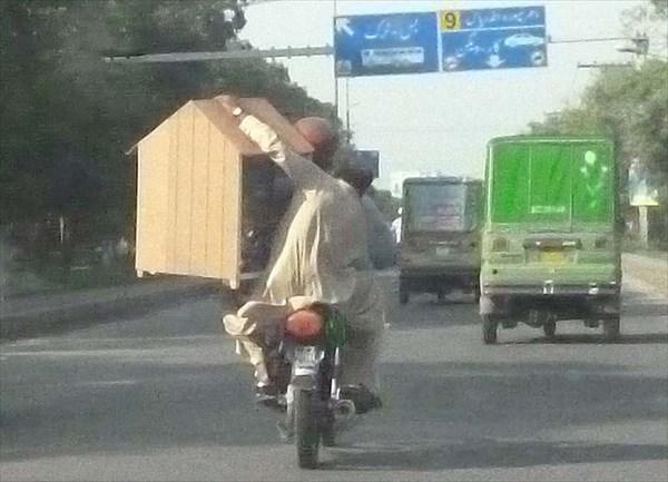 Двухколесные мотоциклы - самый ходовой транспорт