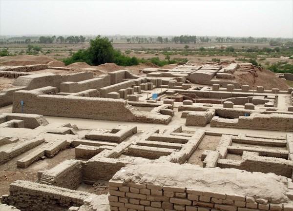 Общий вид древних развалин