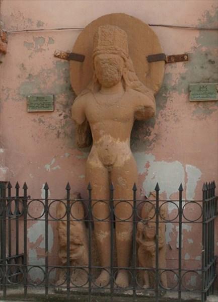 Статуя Будды из Гандхара