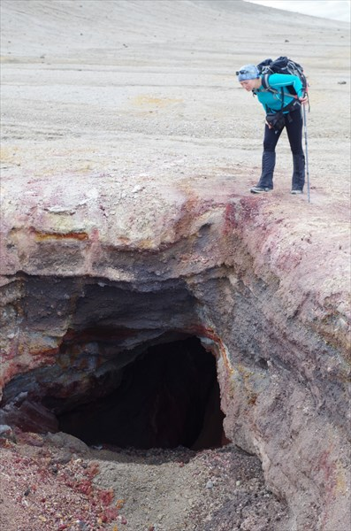 Пещерка, однако :)