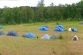 Детский лагерь с высоты сосны.