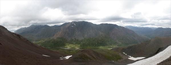 Вид на долину Тары с пер. Акбул