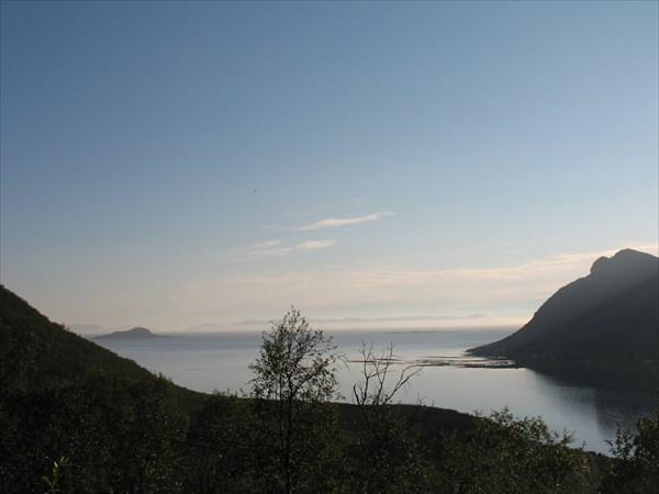 Еще один вид в сторону острова Андёй