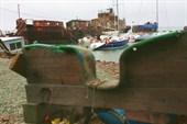 Ковш яхт-клуба образован ржавыми затопленными пароходами