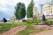 Памятник Нилу Столобенскому