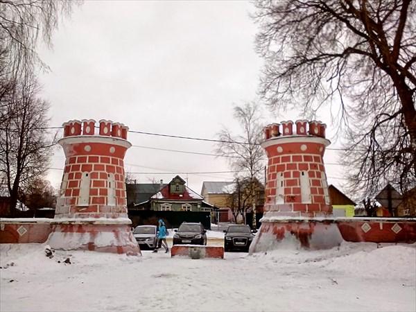 Ярополец, усадьба Гончаровых, парадный въезд