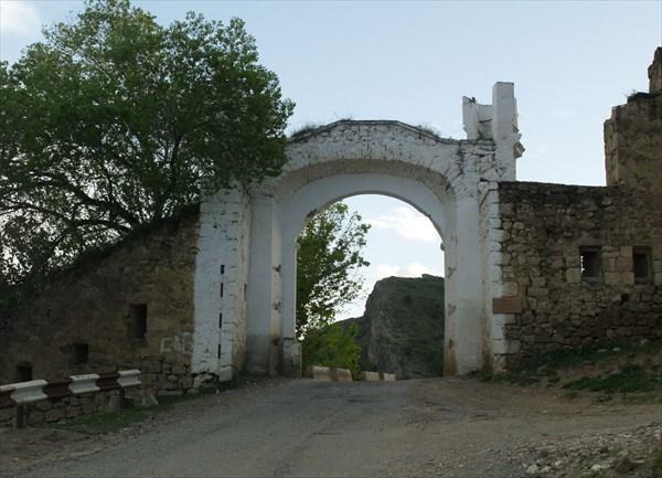 """""""Ворота Шамиля"""""""