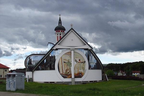 Баптисткая церковь на вьезде в Марибор