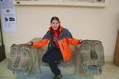 Катя с каменными зверями
