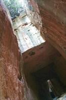 туннель Титуса - огромный ход выдолбленный в скале.
