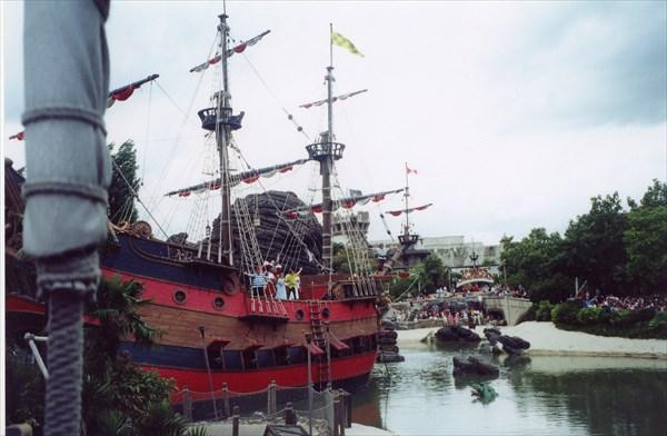 Пиратский корабль, Диснейленд