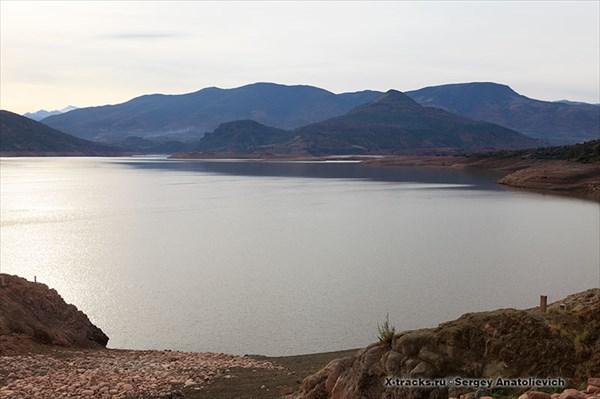 Водохранилище Barrage Moulay Yousself.