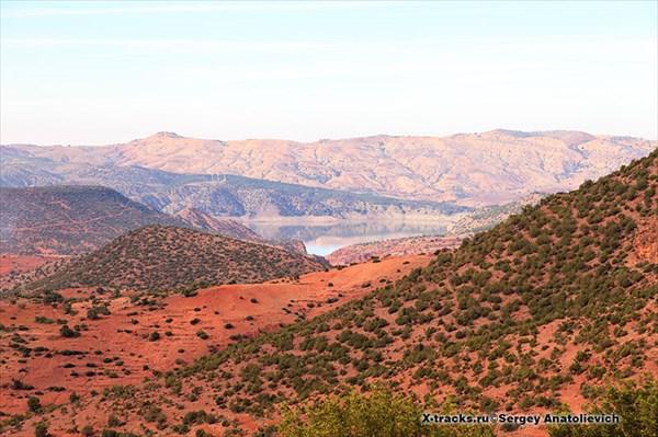 Вид на водохранилище Barrage Moulay Yousself.