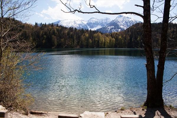 137.Озеро