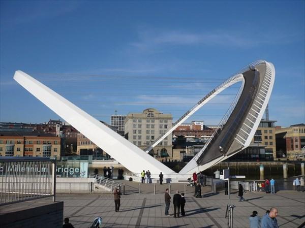 Millenium-Bridge1