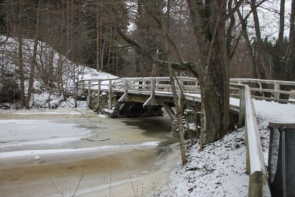 Мост у стоянки