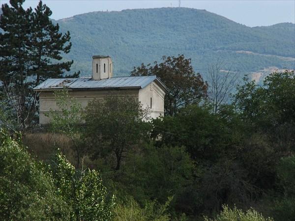 Церкви и храмы не трогали
