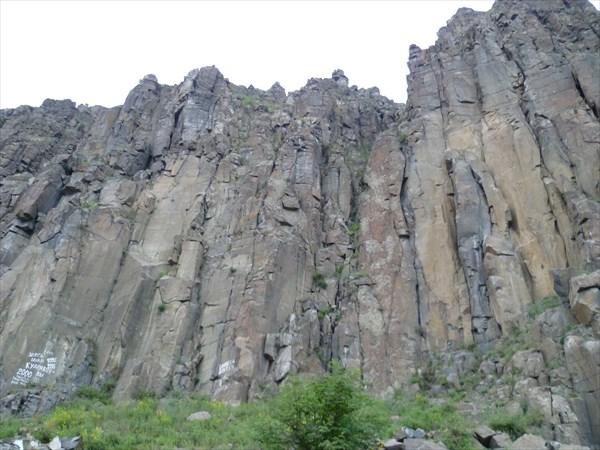 Братские скалы