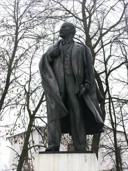 Памятник Ленину, торговая сторона