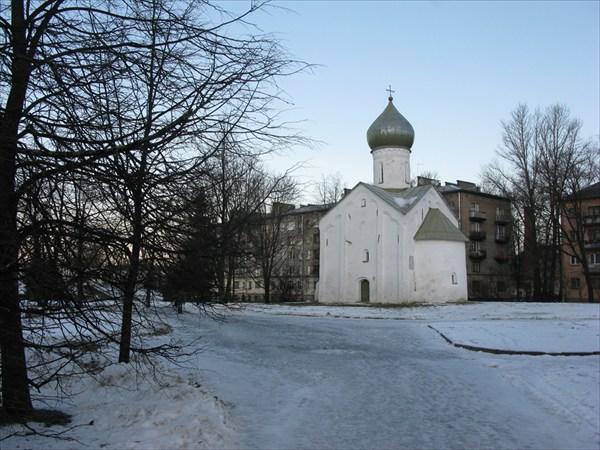 Церковь Двенадцати Апостолов на Пропастях 1454—1455 гг