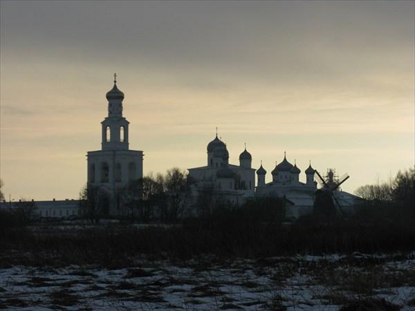 Cвято-Юрьев монастырь, 1030 г. осн
