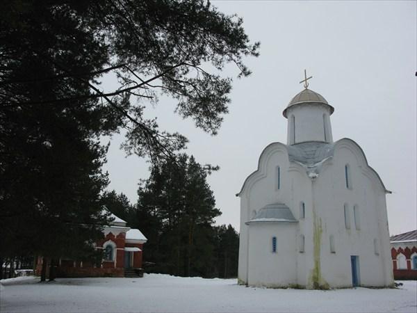 Церковь Рождества Пресвятой Богородицы в Перынском ските