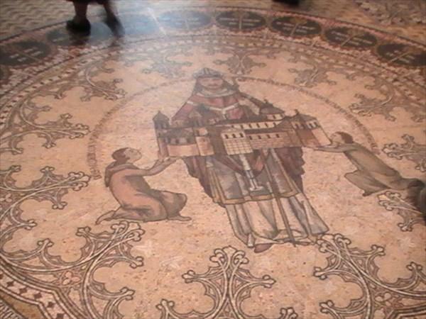 на фото: я мозаику сложу,...кёльнский собор