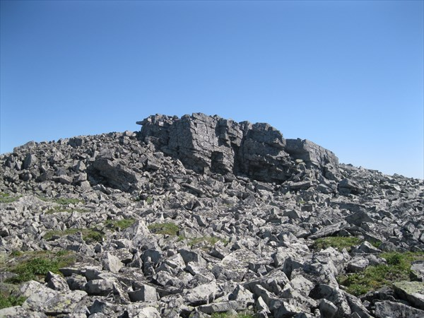12. Скалы на вершине 1153