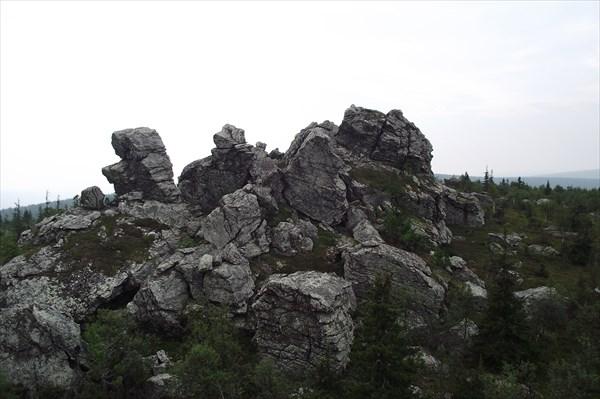 Скалы на южном отроге горы Атынгау