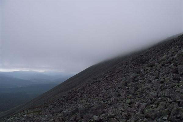 Вершина в облаке