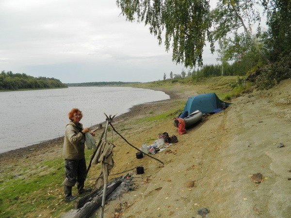 Песчаный берег около Унже-Павинской.