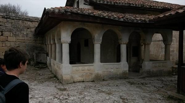 Восстановленный древний иудейский храм Чуфут-Кале