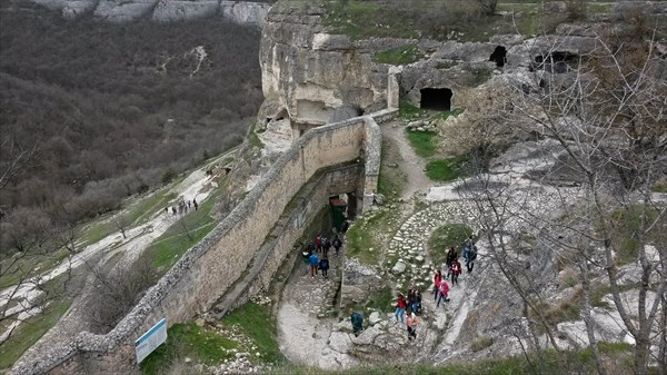 Ворота в пещерный город Чуфут-Кале