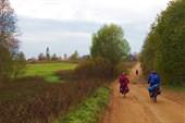 Въезжаем в очередную деревню